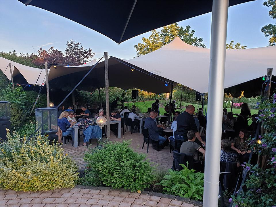 Feesten en partijen bandje in de tuin - De Herberg Vorden